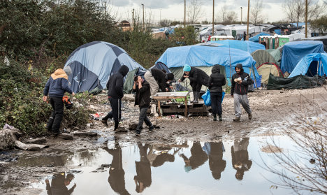 Top court tells France to improve Calais camp