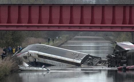 Ten die as French train crashes during test run