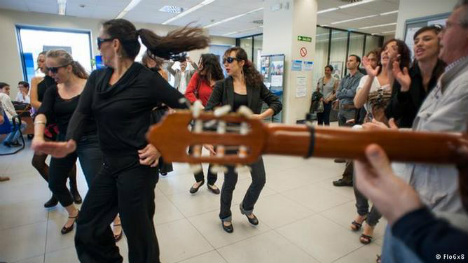 Flamenco flashmob: how the dance became a form of protest in Spain