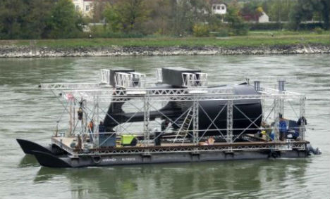 River turbines turn Austria's Danube green