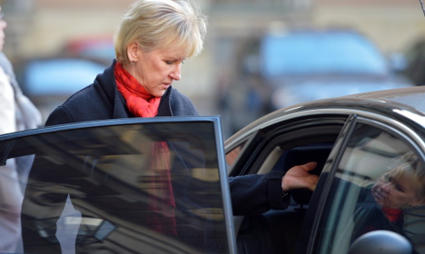 Swedish PM backs minister in Paris row