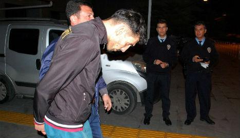 Turkey seizes Paris attack suspect at border