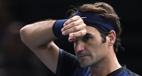 Wawrinka advances as Federer exits Paris Open