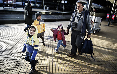 Sweden checks send refugees to Denmark