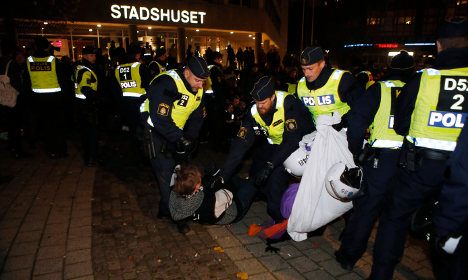 Police action as Malmö Roma protest continues