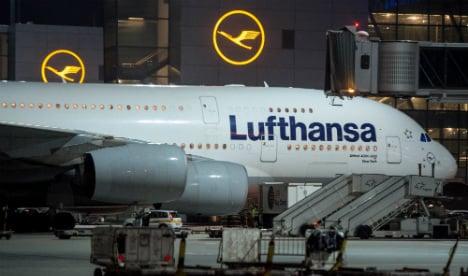 Lufthansa cancels 290 flights amid strike action