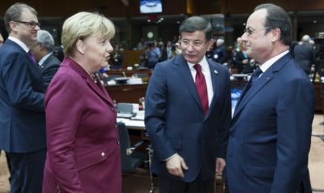 Merkel pins refugee crisis hopes on Turkey