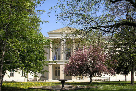 France sells iconic Vienna palace to Qatar