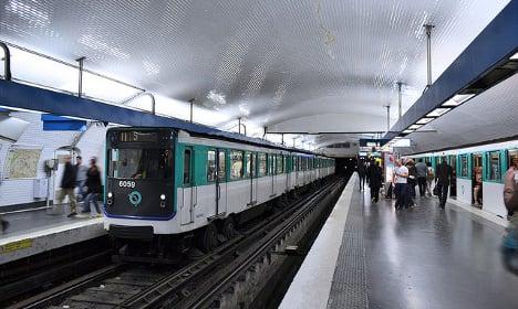 Paris: Singing Metro driver hangs up the mic