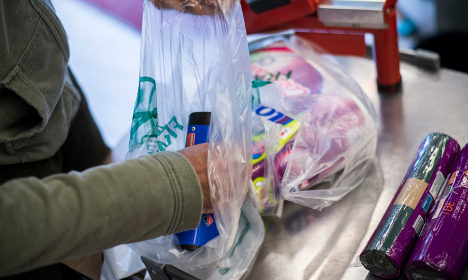 France to ban plastic bags from March 2016
