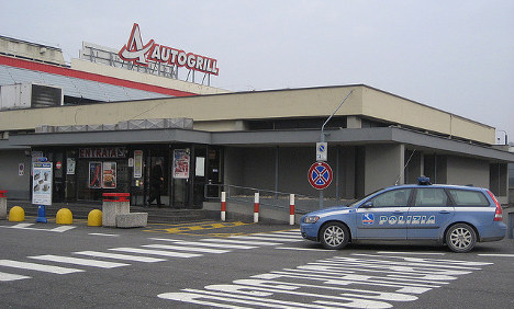 NYE party at Autogrill prank lures thousands