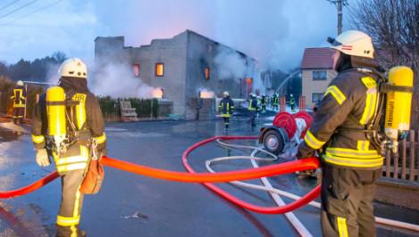 German firefighters 'set fires to look like heroes'