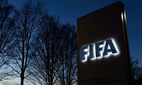 Fifa probe: Switzerland hands bank files to US