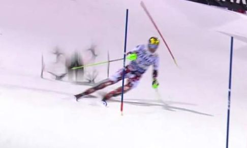 Falling drone 'almost kills' ski champ in Italy