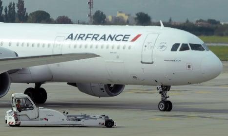 Paris-bound Air France flight in 'bomb' scare