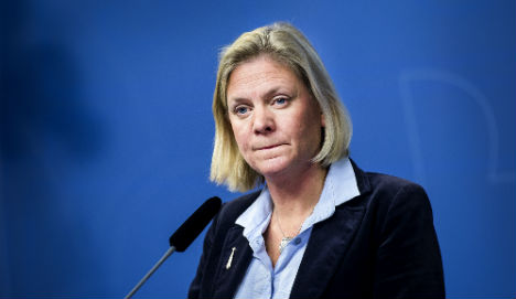 Sweden rejects 'British' low salary model
