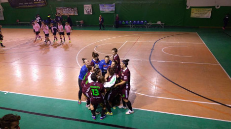 Women's football team hit by mafia-style threats