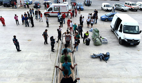 No Christmas break in migrant flow to Italy