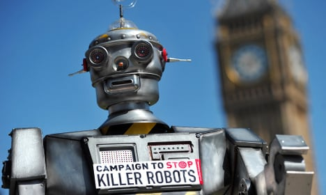Scientists urge Davos to 'stop the killer robots'