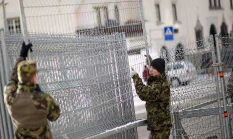 Swiss applaud Davos troops show — despite drug use