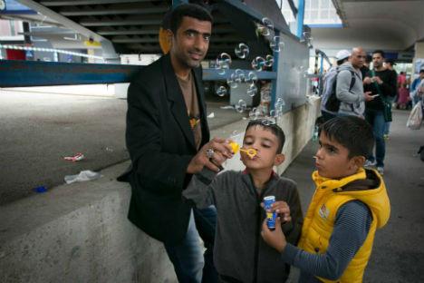Austrian MPs approve tough new migrant bill