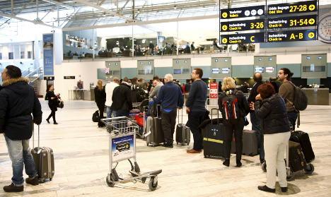 'No bomb' on board diverted SAS plane