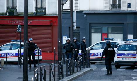 Paris attacker had German sim card: police