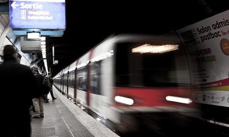 Woman flees attempted gang rape on Paris train