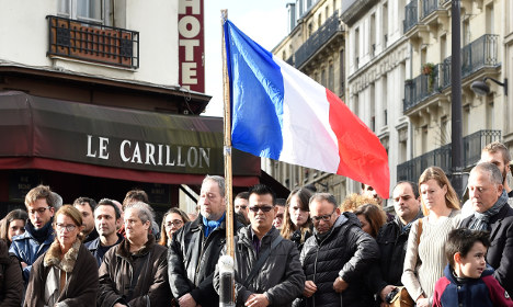 Paris: Iconic Carillon bar to reopen after attacks
