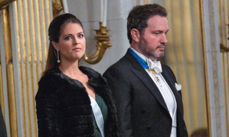 Swedish princess turns on beach paparazzi