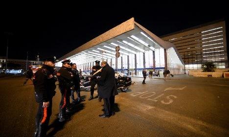 Man with fake gun sparks Rome metro panic
