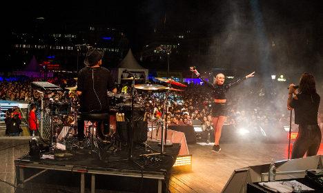 Swedish teen pop star blogs 'a swine is a swine'