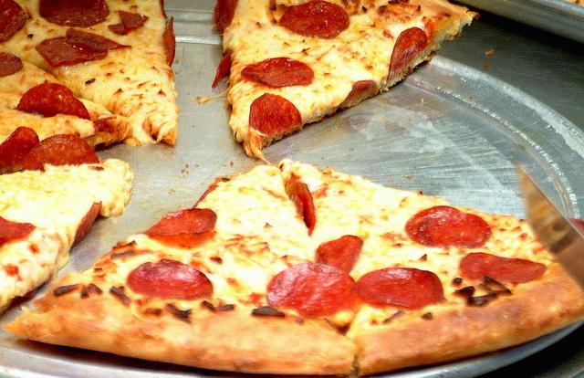 Italian schoolchildren revolt over 'inedible, rubbery' pizza