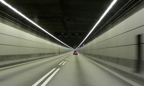 Five held after trying to cross Øresund Bridge