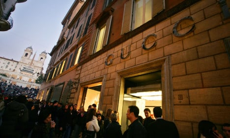 Italian shopping boom fuels economic growth