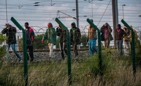 UK slammed for giving asylum to tunnel walker