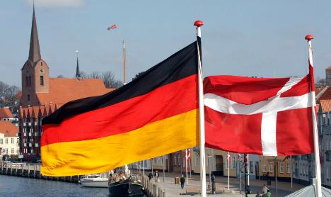 Denmark begins German border passport checks