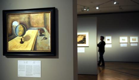 Merkel to open Holocaust art exhibit in Berlin