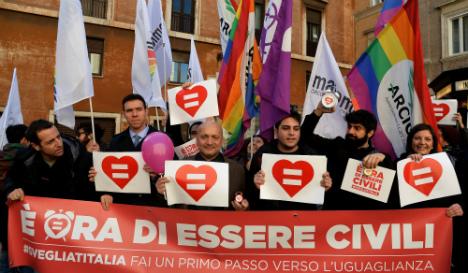 Italian Senate tackles gay civil unions in risk to Renzi