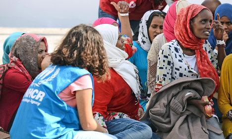 Italy in row over move to scrap migrant fine