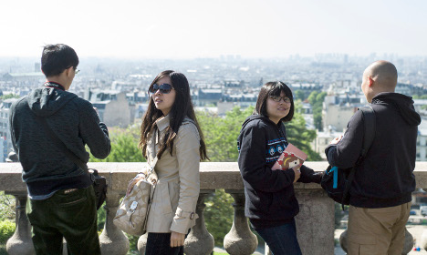 France to woo Chinese by cutting visa process