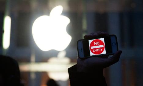 France could fine Apple €1m unless it hacks smartphones