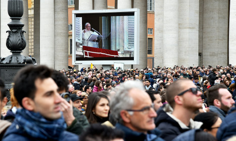 Pope urges Europe to share migrant burden fairly