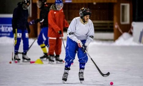 Bandy: How Sweden's little known sport is winning fans