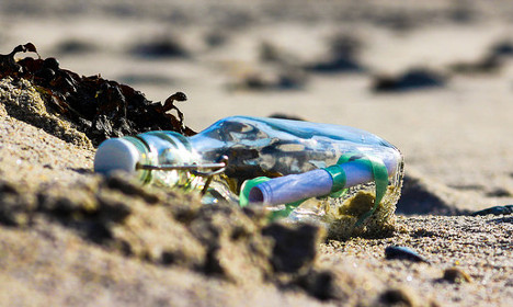 US artist's message in a bottle found in France… by an artist