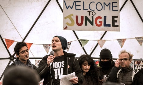 Jude Law leads campaign on refugee plight in Calais camp