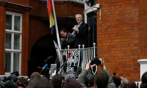 Assange lawyers ask Sweden to drop warrant