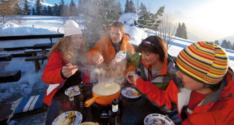 Swiss continue to scoff more cheese: report