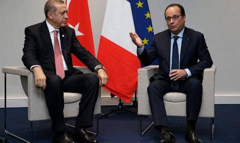 'No concessions' to Turkey in migrant deal: Hollande