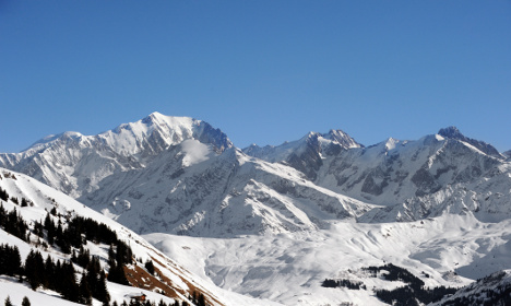 Teen migrant rescued trying to trek across French Alps